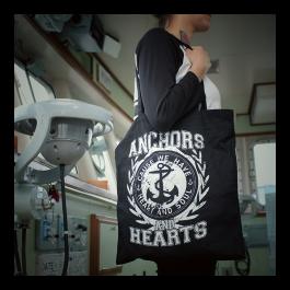 ANCHORS & HEARTS 'Heart & Soul' Bag